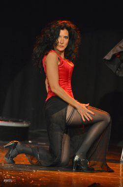 Yogane magicienne en scène
