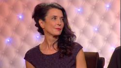 Virginie Guilhaume interviewe Yogane lors de la soirée Une femme un artiste, retransmise le 8 mars sur France 2