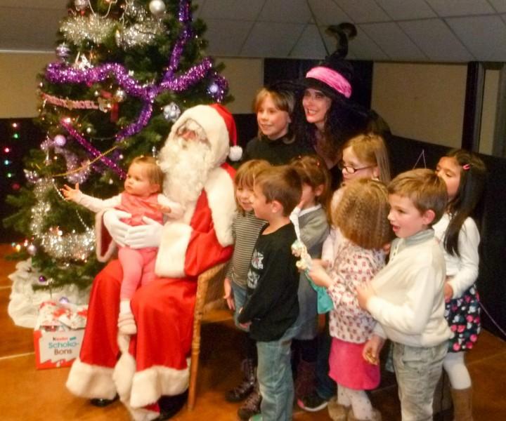 Yogane spectacle enfants arbre de Noel