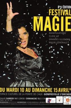 La magicienne Yogane au Festival de Gonfreville